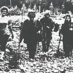 Soviet-press-photo-of-Lykov-family-with-geologist